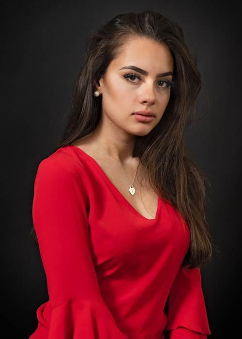 YourBestPicture Portraitfoto Frau mit rotem Kleid