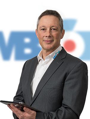 Business Portrait M. Burghartswieser für Teamfotos MBCOM IT-Systemhaus